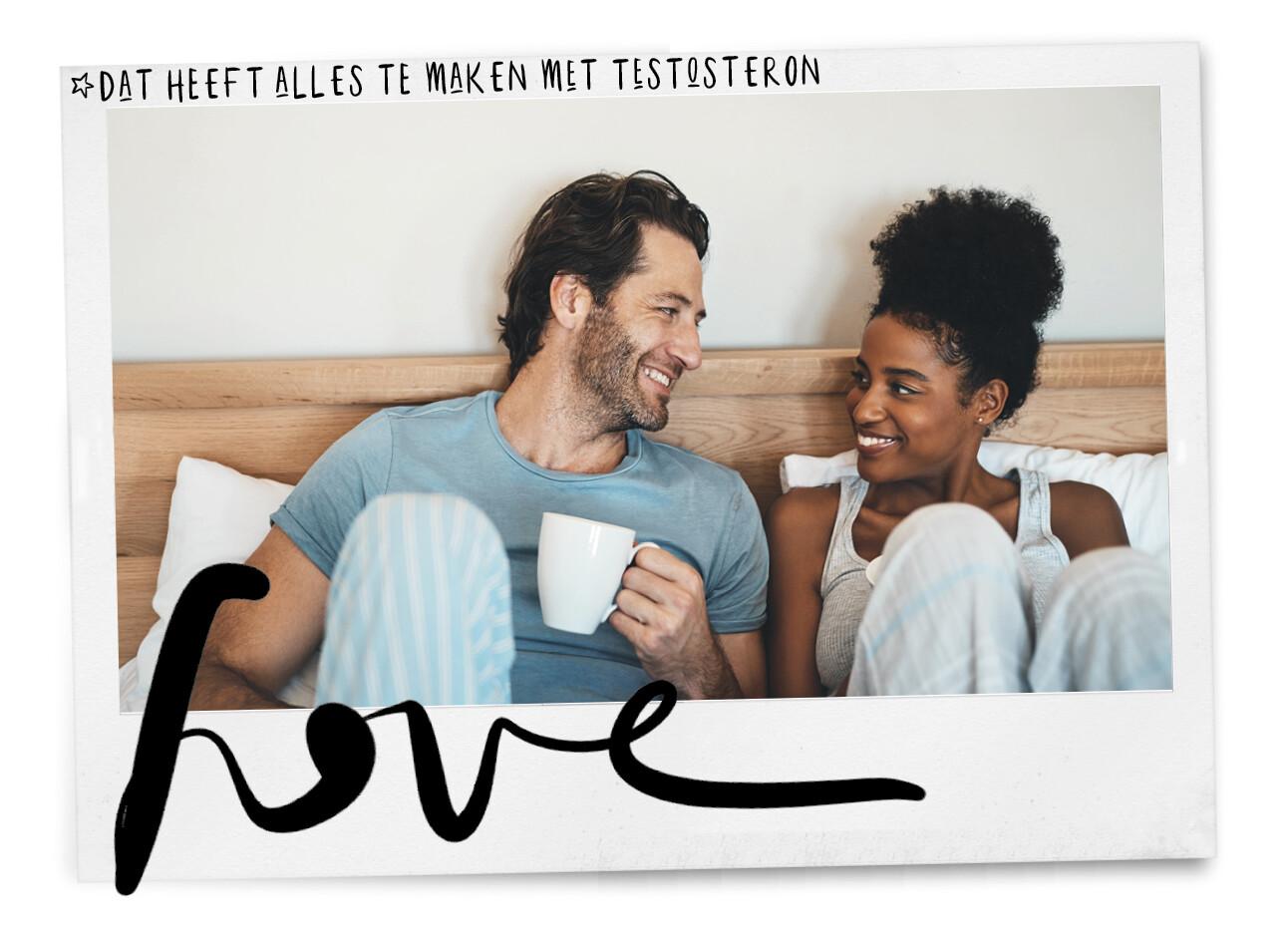 vrouw en man in bed lachen naar elkaar