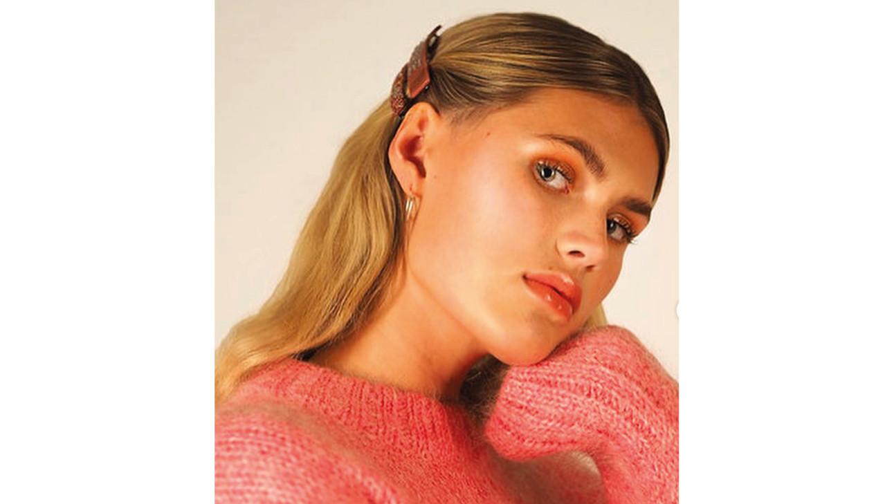 hairclip in het haar