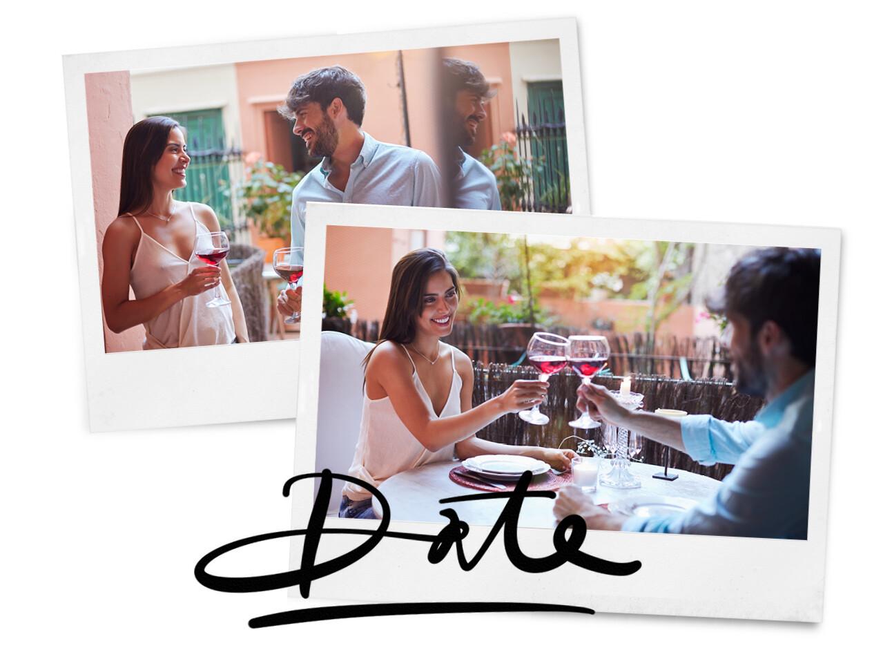 Vrouw en man daten op het balkon wijn drinken