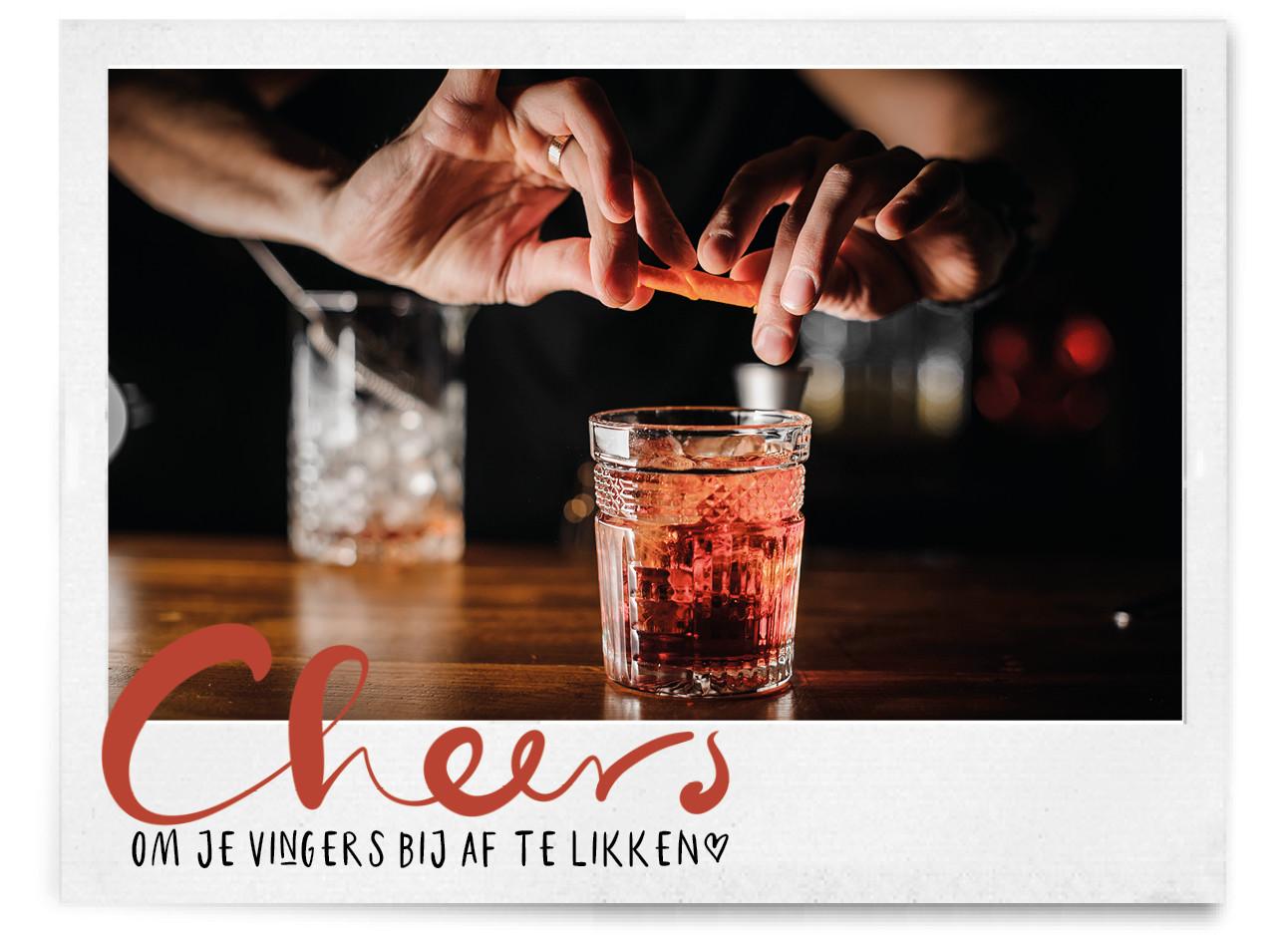 het maken van een winterse cocktail