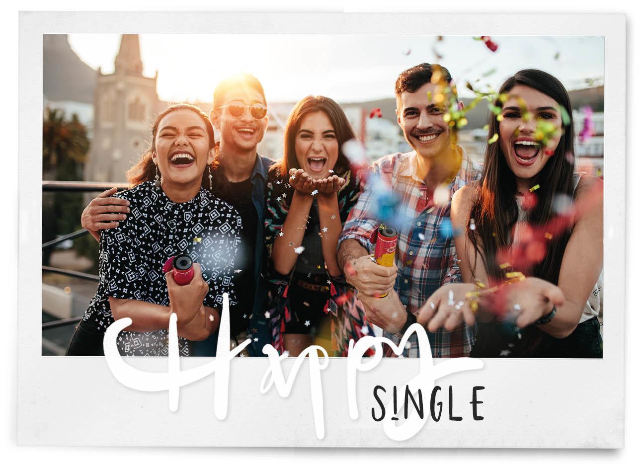 Vrienden lachen en confetti poppen met zn alle