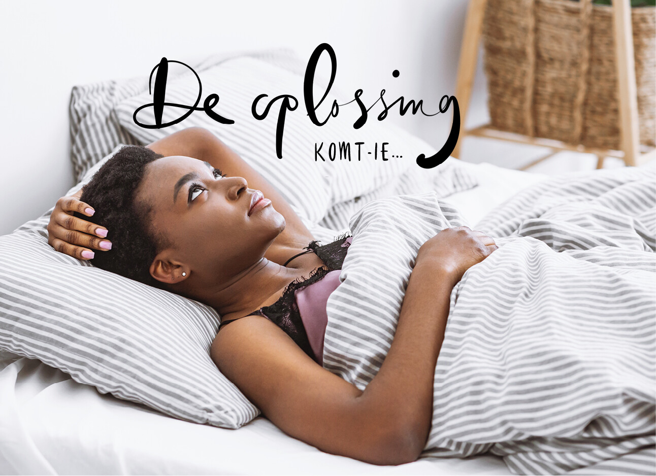 vrouw starend in bed