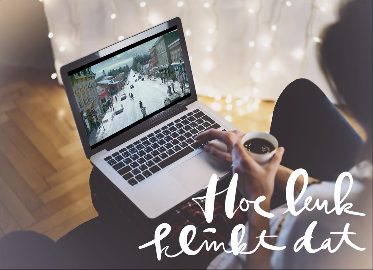 laptop met netfix en gezellige lichtjes op de achtergrond