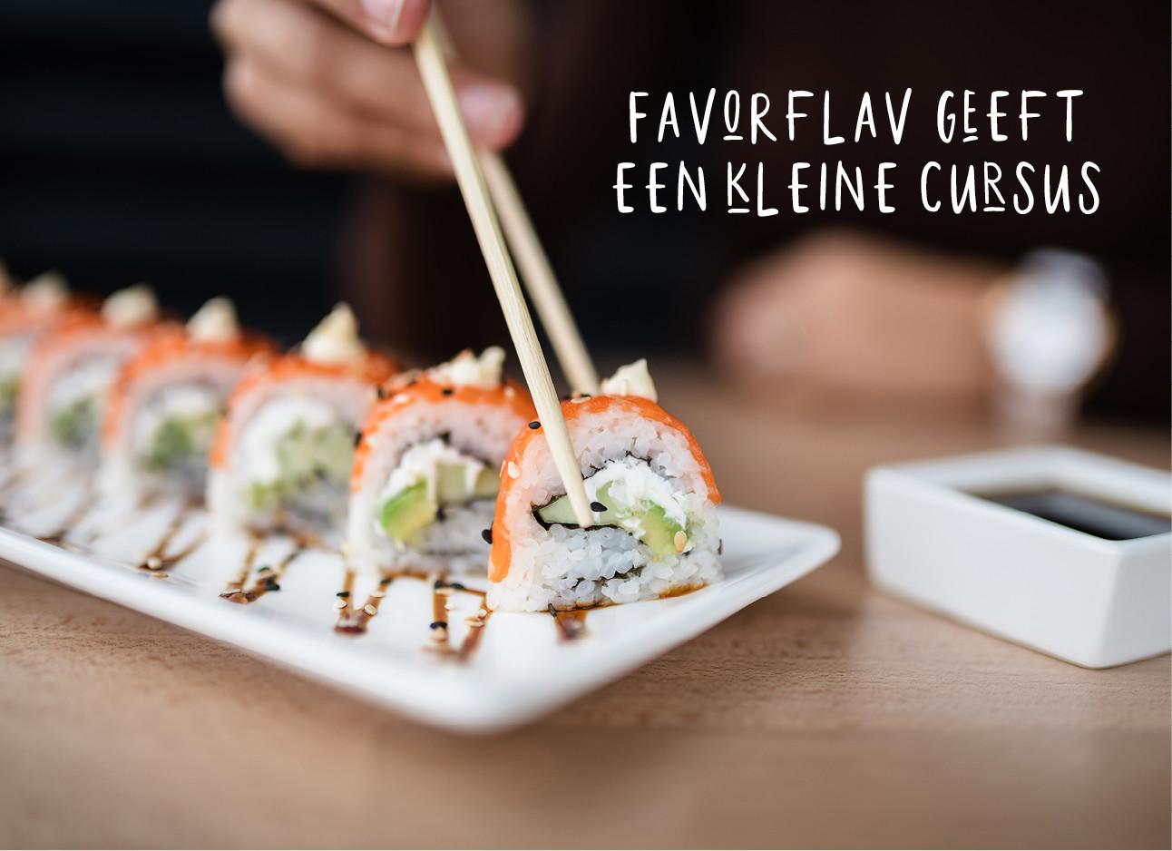een bord met sushi dat opgegeten wordt