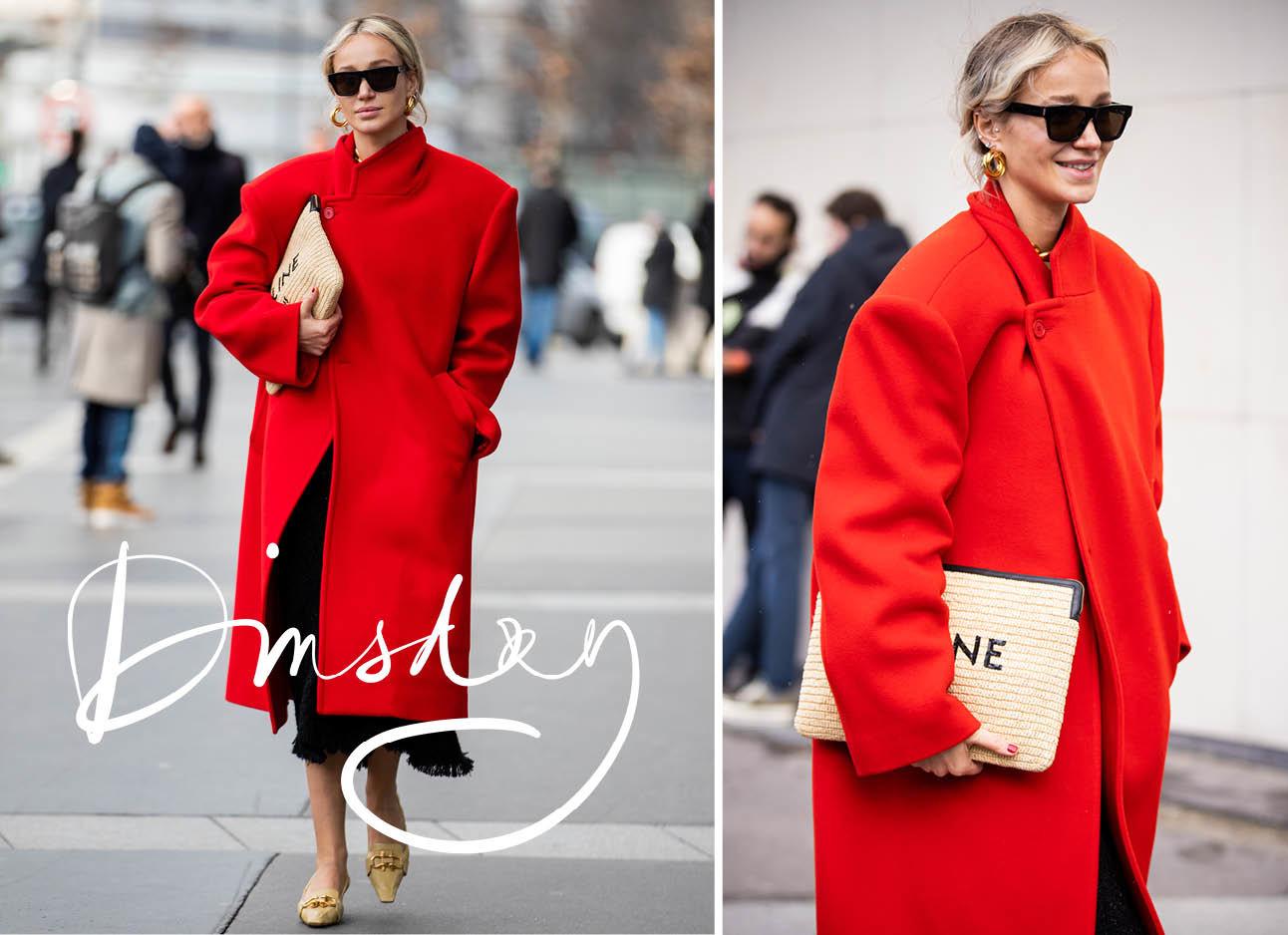 Vrouw in een rode jas