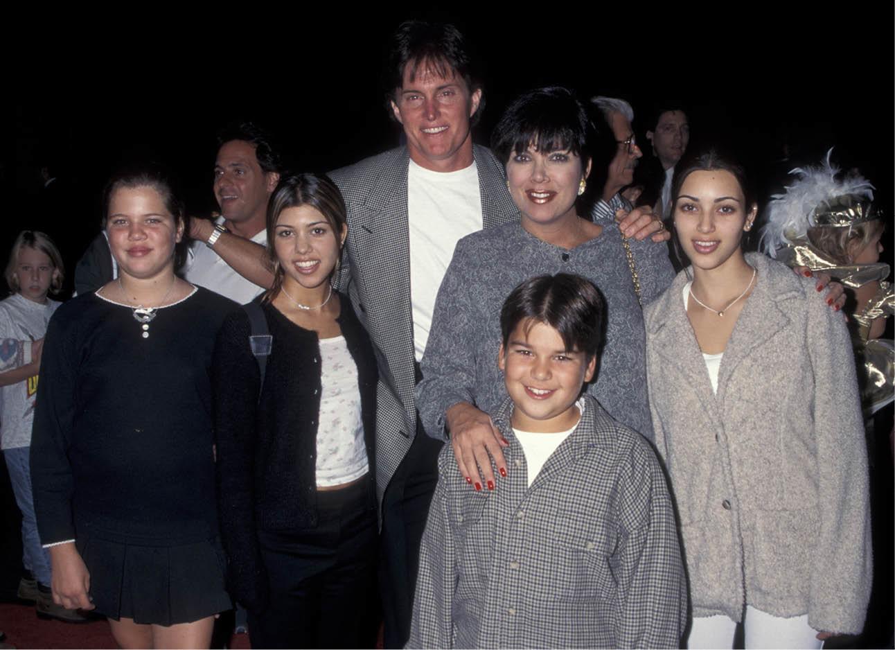 Op de foto is de familie Kardashian te zien in 2007