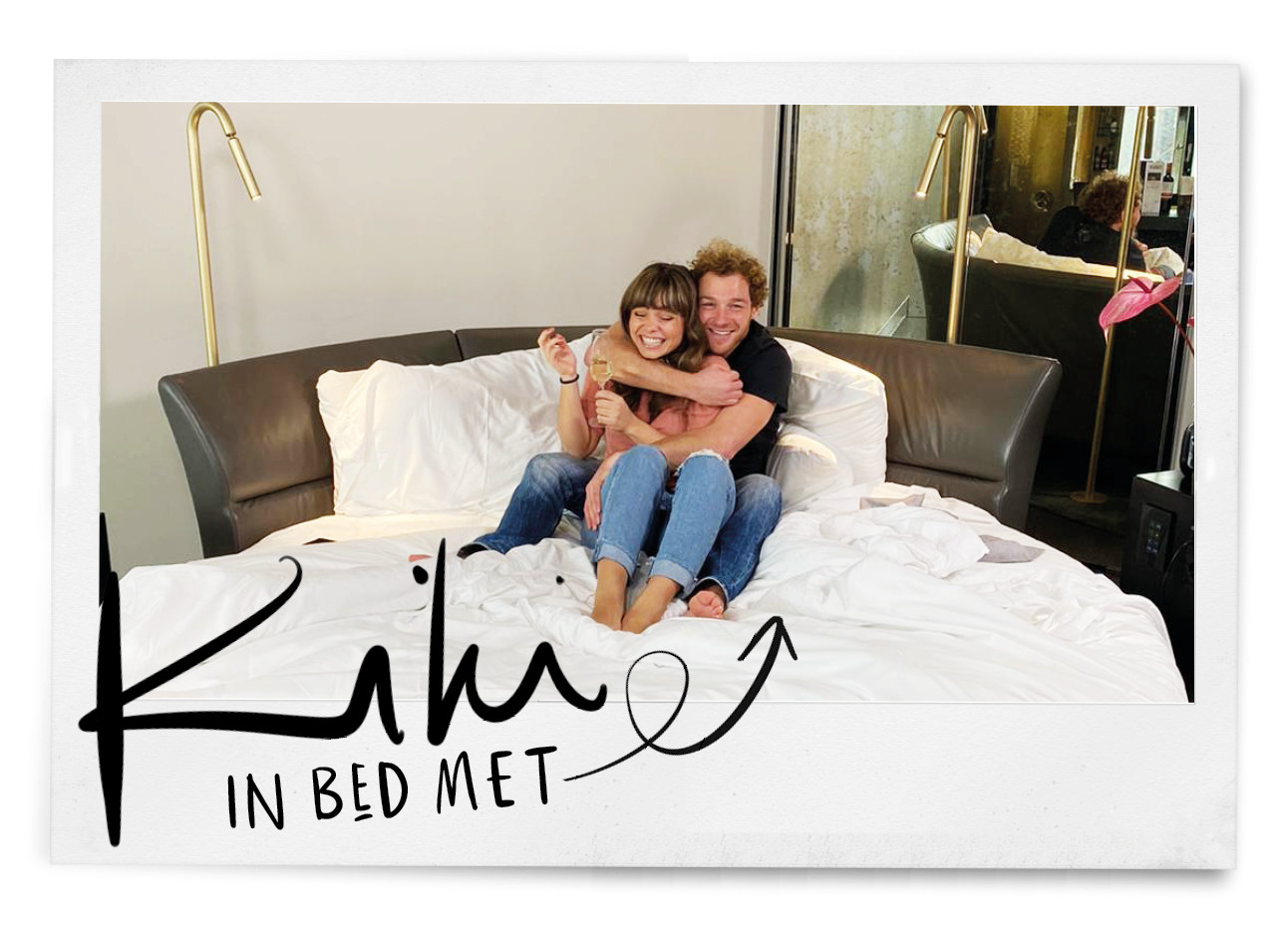 Kiki en Jamie in bed in het hotel w