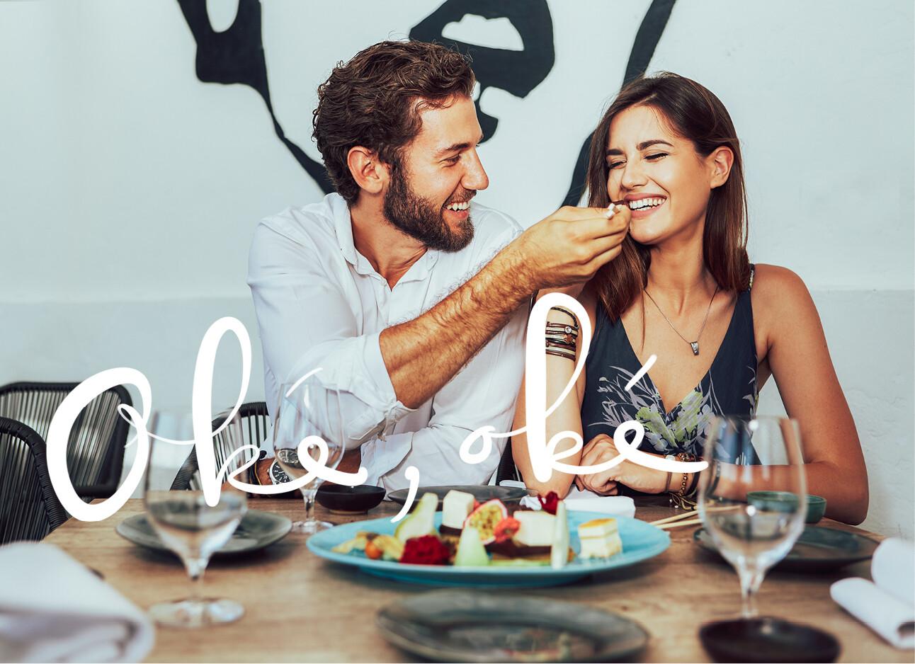 man en vrrouw aan het eten samen