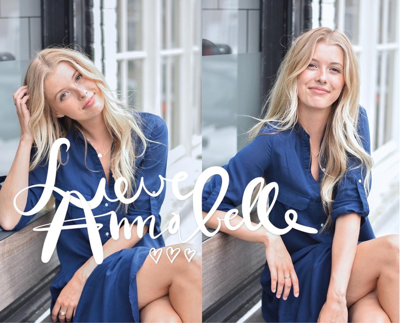 annabelle lachend op straat in een zomers jurkje