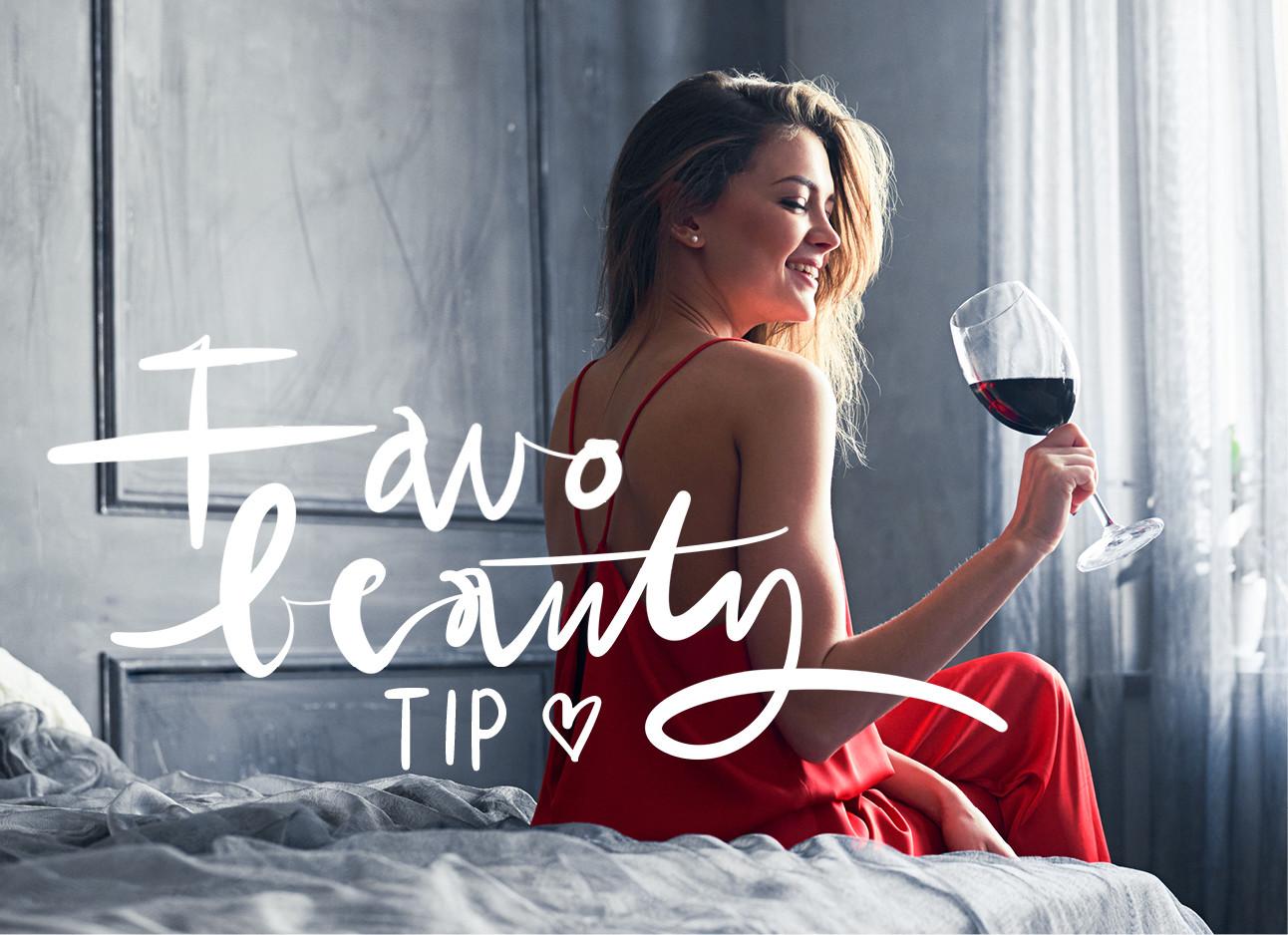 rode wijn rode juk zitten op bed