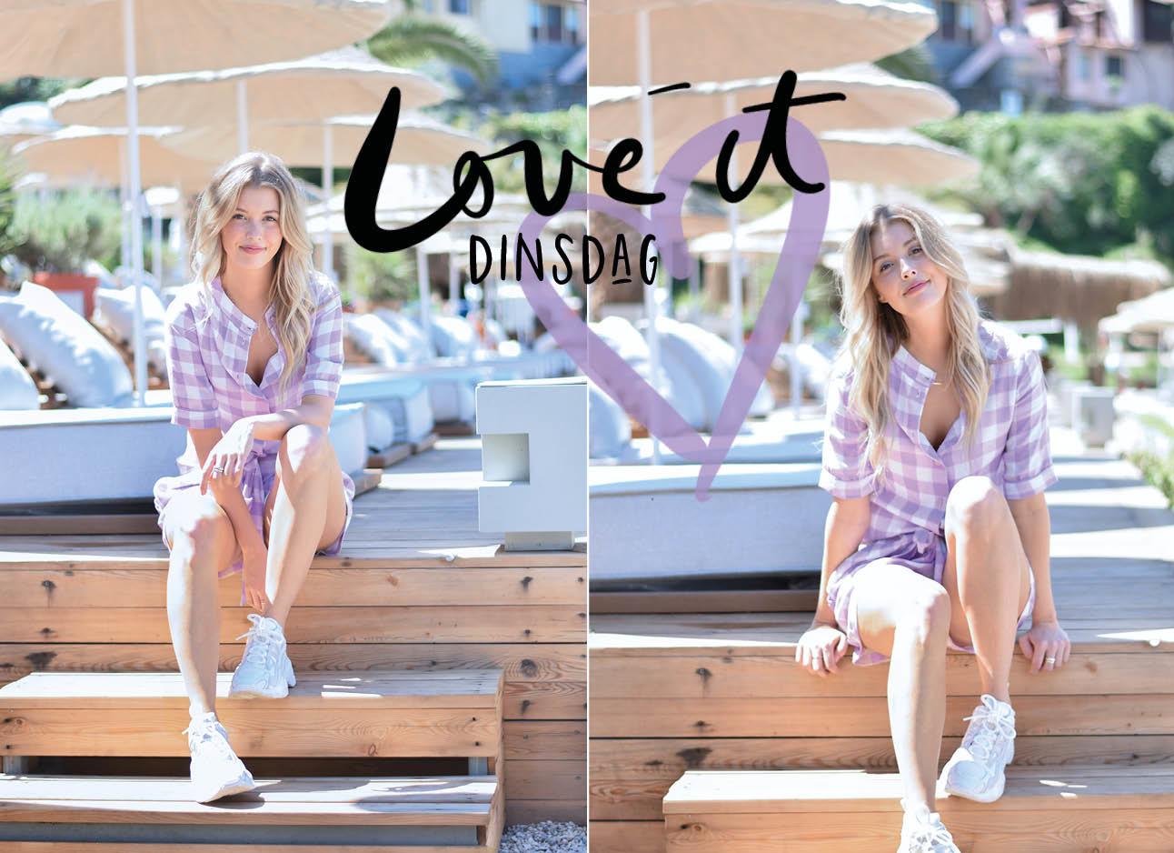 nnabelle van Hardeveld lachend in turkije op de trap bij het zwembad zitten Ou boutique jumpsuit
