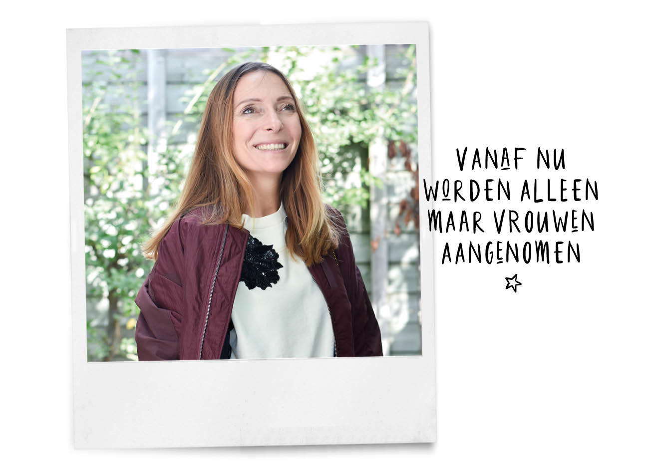 may-britt lachend buiten in de look of the day met outfit aan van pauw amsterdam