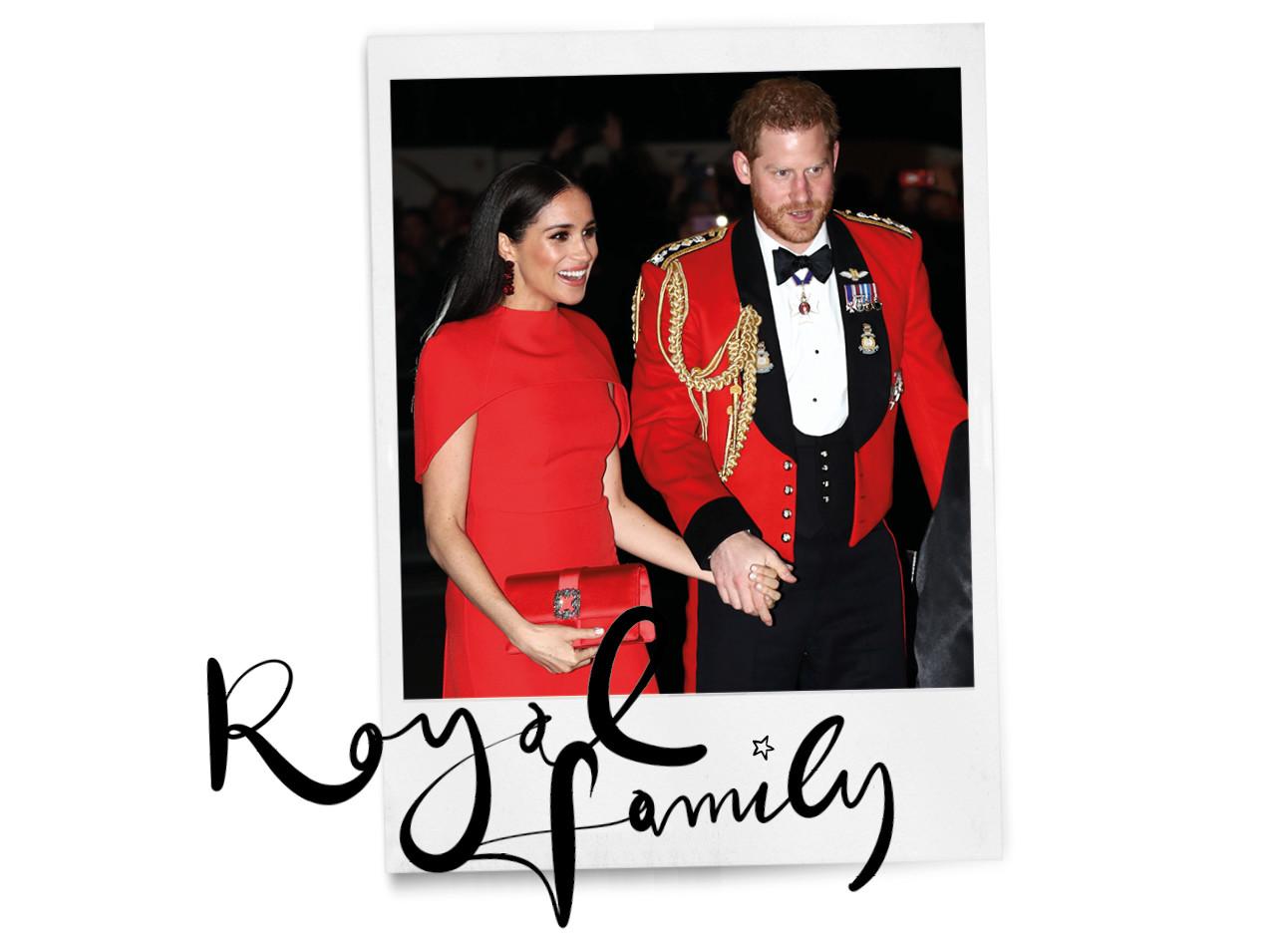 Meghan Markle en prins harry lachend op straat in UK met rode outfti