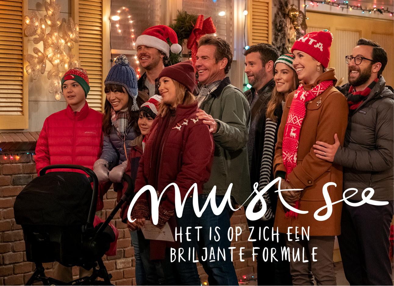 een groep familie die samen butien staan en lachen