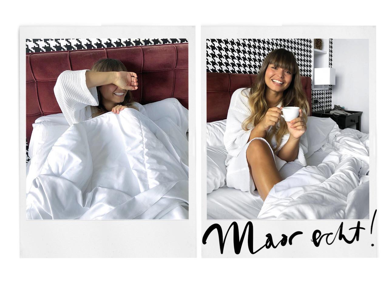 kiki lachend in bed met een kop koffie in badjas