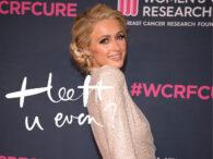 Paris Hilton klapt uit de school