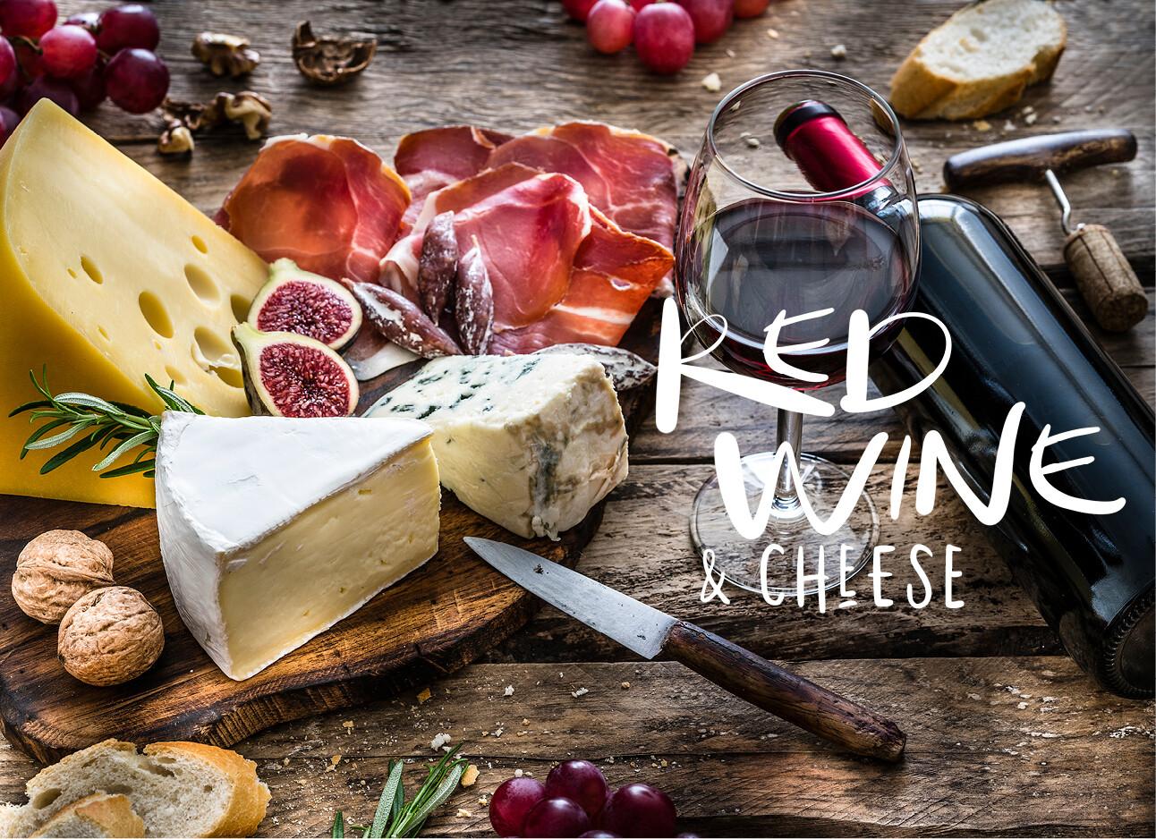 rode wijn en kaas