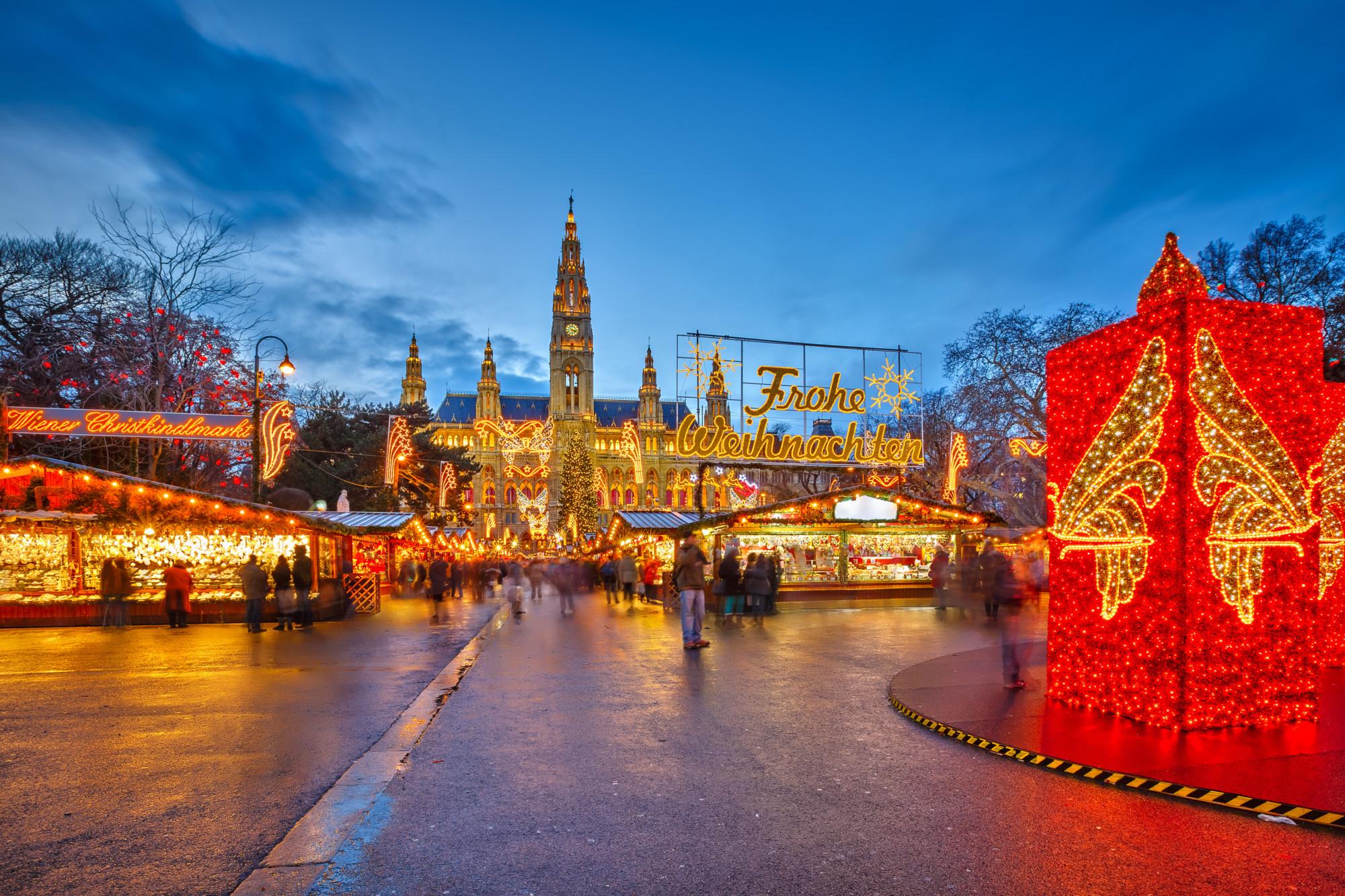 Sfeerbeelden van de kerstmarkt in wenen