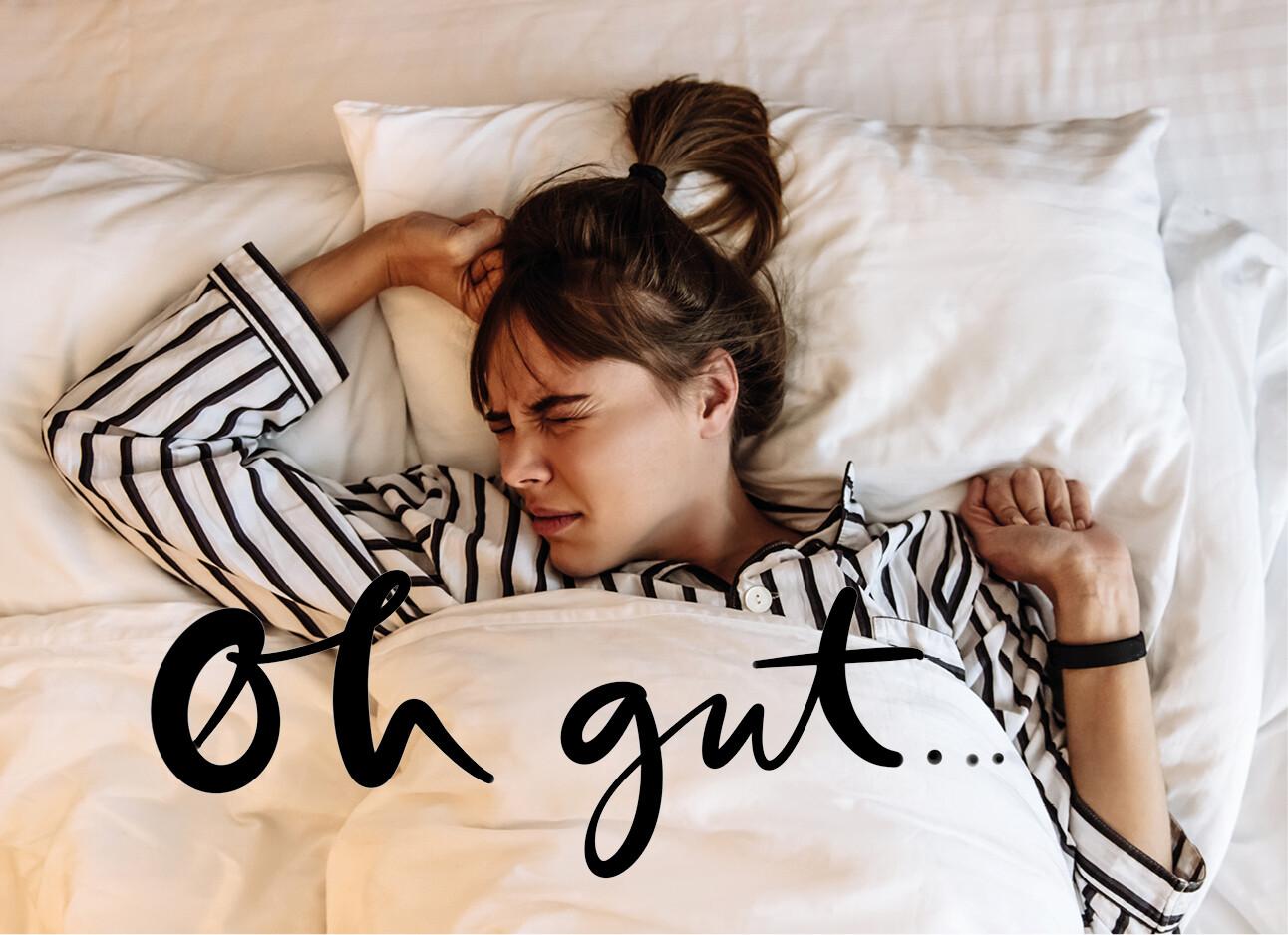 Vrouw moeite met slapen in bed