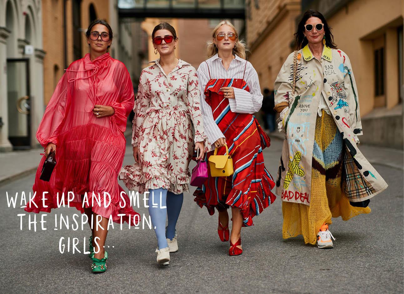 hoofdbeeld kleurijke outfits lopens over straat modemensen