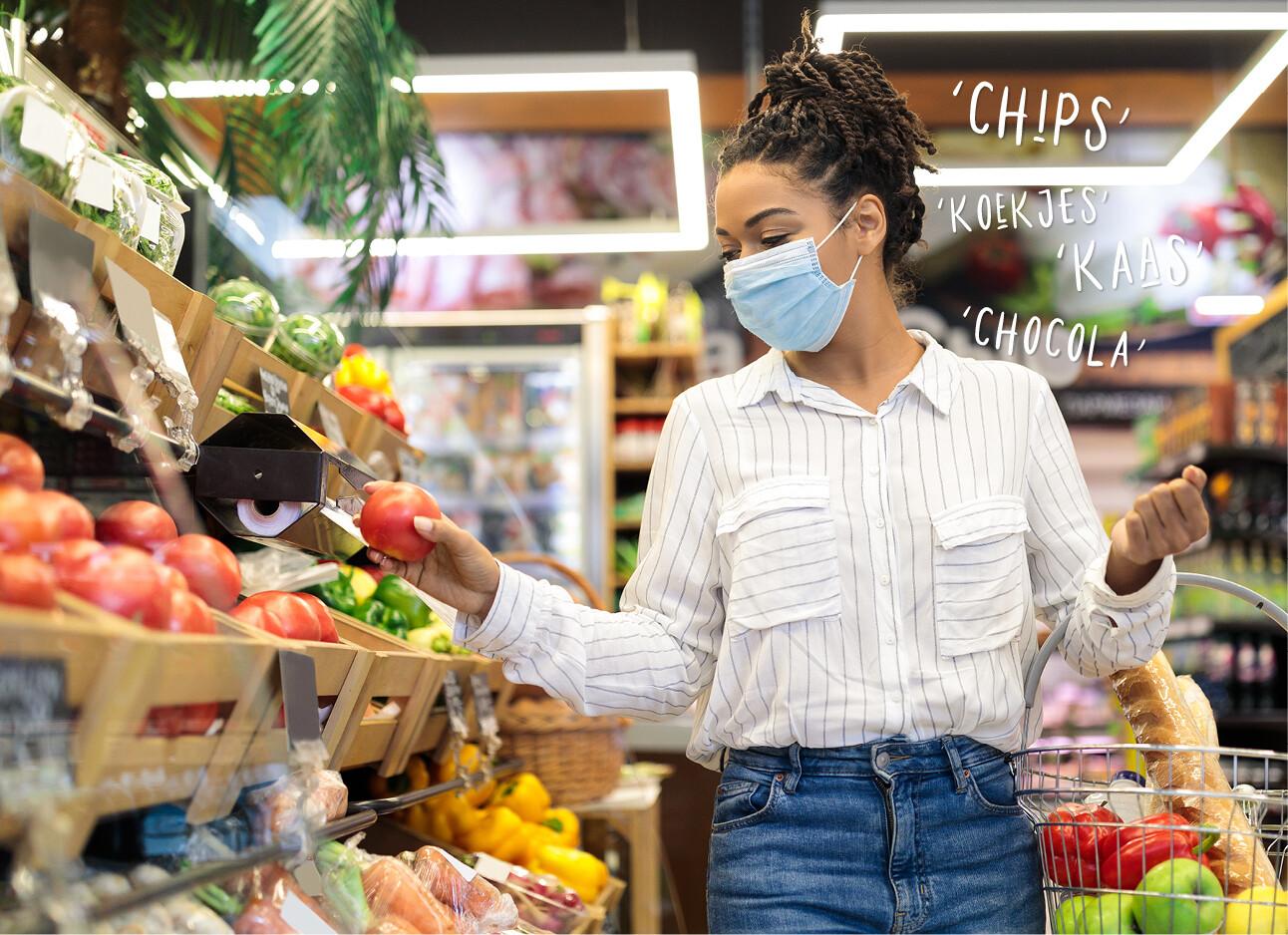 vrouw in de supermarkt