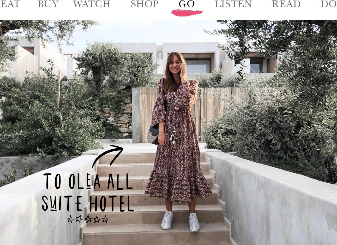 Today we go to Olea All Suite Hotel lilian brijl op de trap in een zomerse lange jurk