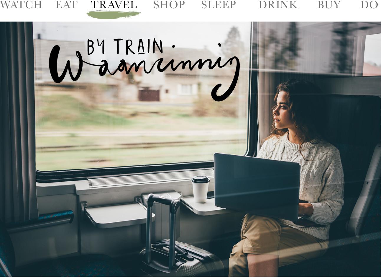 beeld van een meisje dat in de trein zit