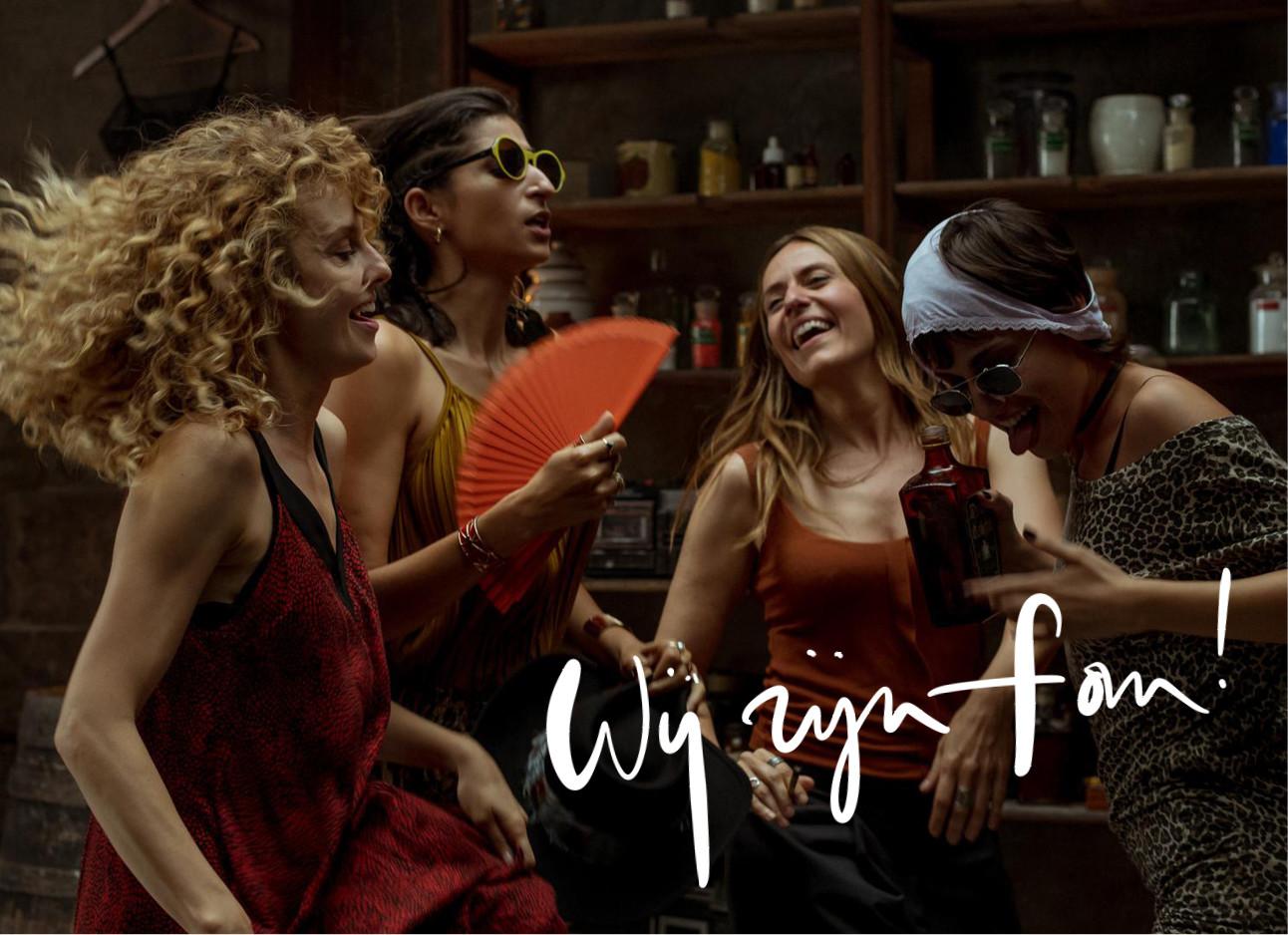 La casa de papel vrouwen dansen in een ruimte