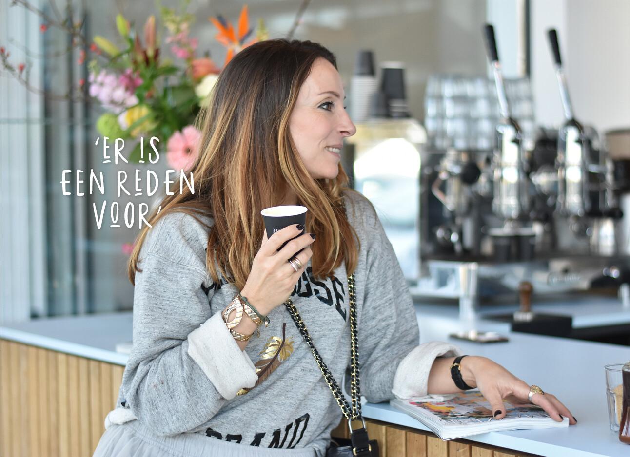 May bij een koffiesalon