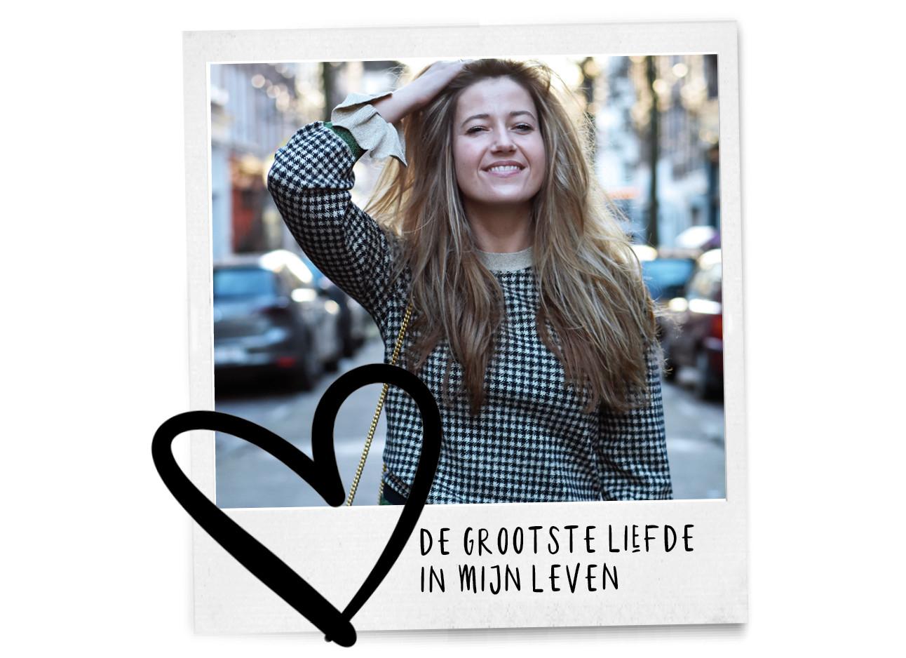 tessa lachend op straat in amsterdam