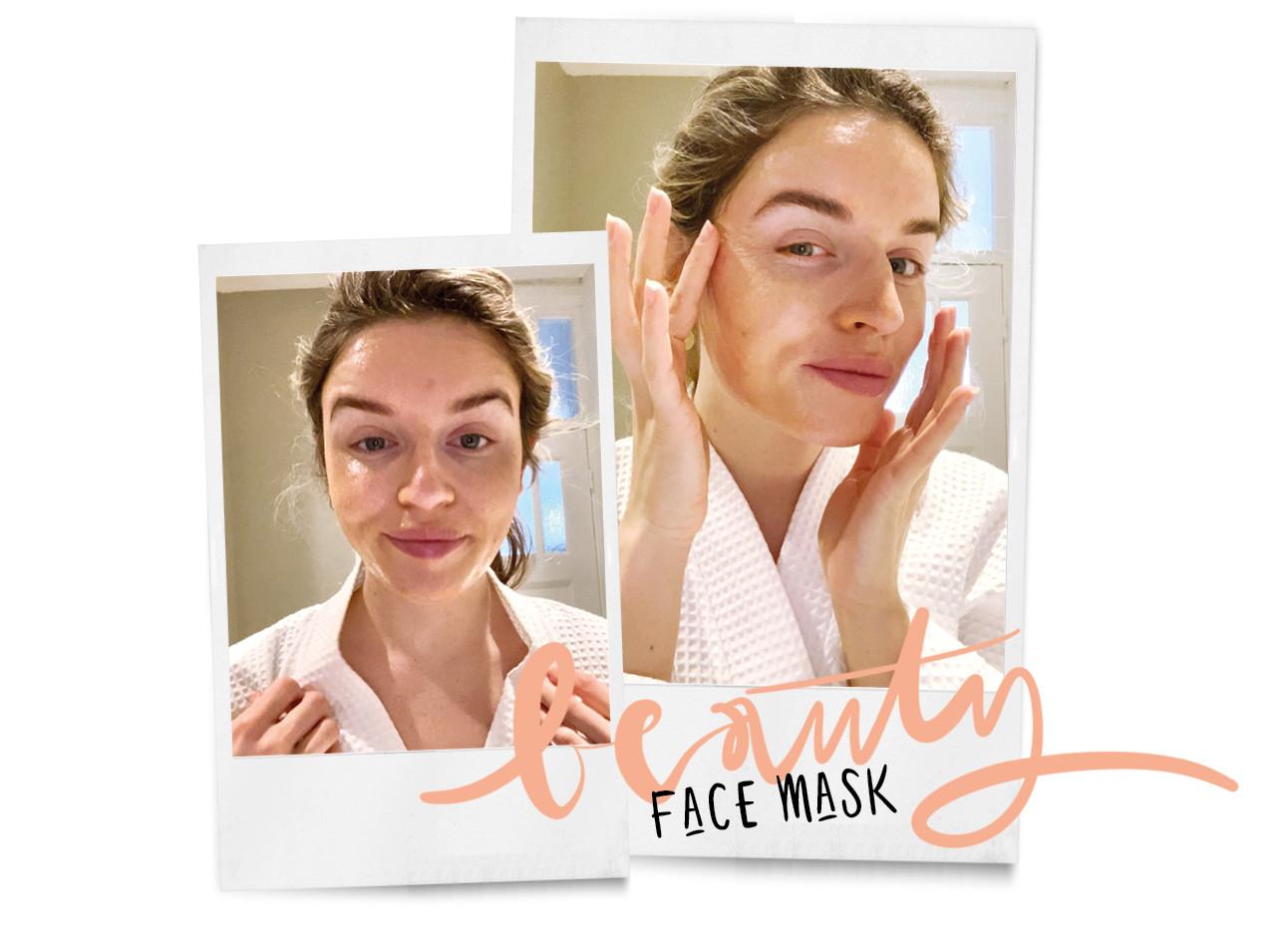 Lotte lachend met een gezichtsmasker op haar gezicht