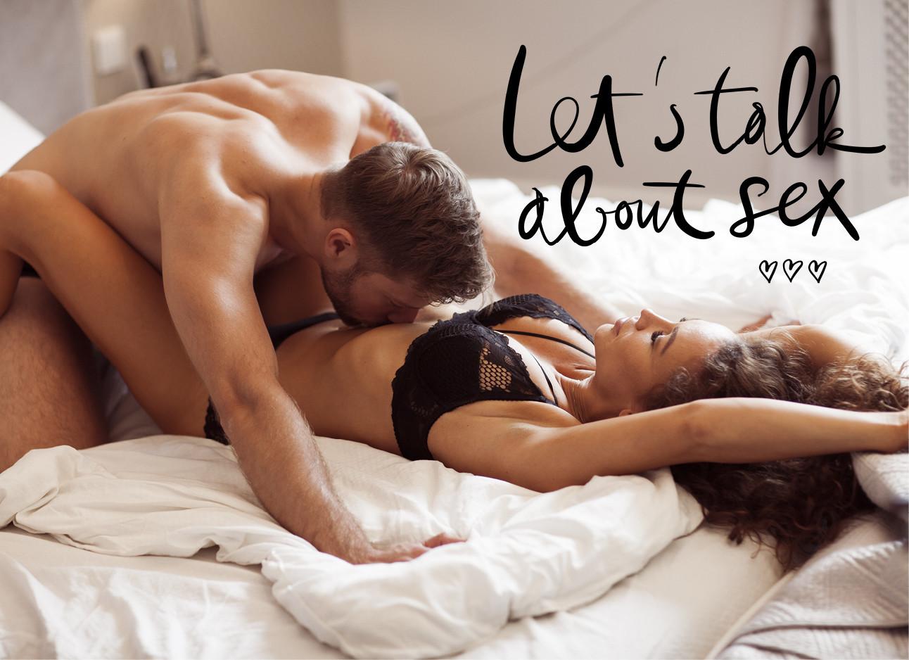 Een stelletje in bed liefde aan het bedrijven