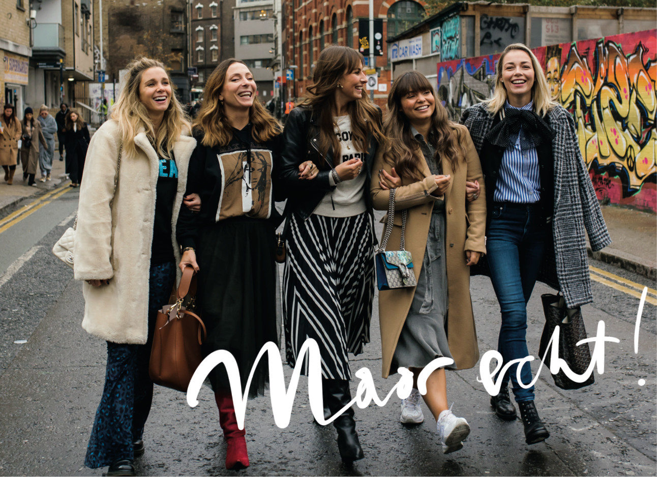 groep vrouwen lopen samen op straat maybritt mobach kiki duren lilian brijl fashion